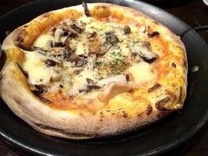 茸とリダーチーズのピッツア.jpg